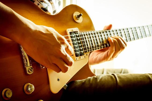 エレキギターを独学で習得するには?重要な7つのポイント