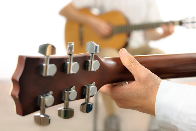 ギターのハモリ練習のポイントやおすすめ楽曲を紹介