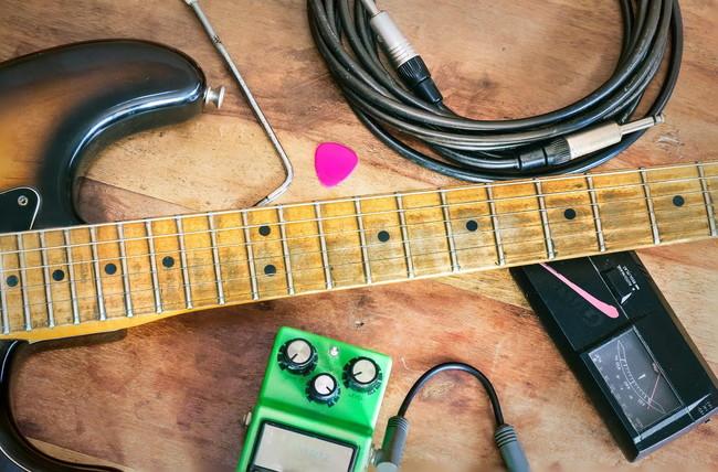 自宅でのギター練習で揃えるべき9つの機材を厳選紹介