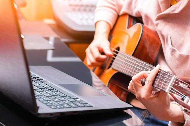 ギター練習の環境を整える方法と揃えておきたい道具を紹介