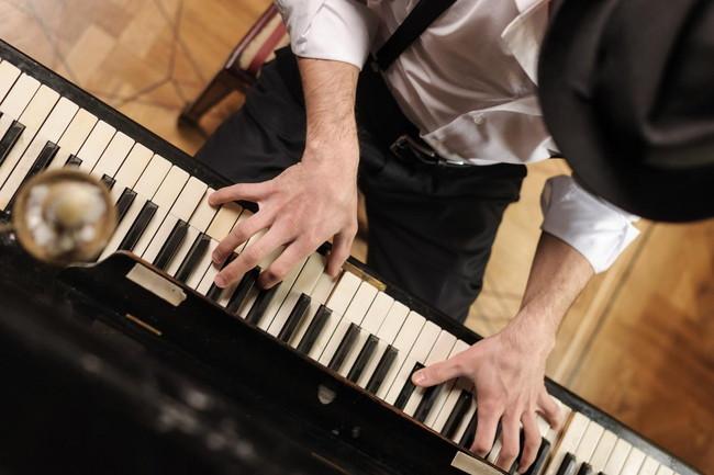 ジャズピアノ初心者の基本練習や教本選びのポイントを解説