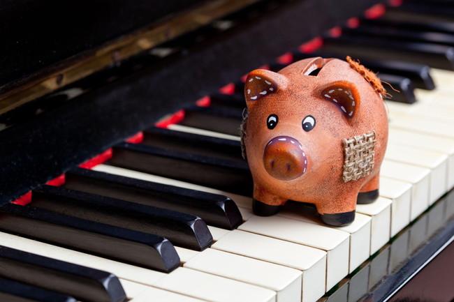 ピアノを習う費用の相場は?レッスン方法による違いを分かりやすく解説