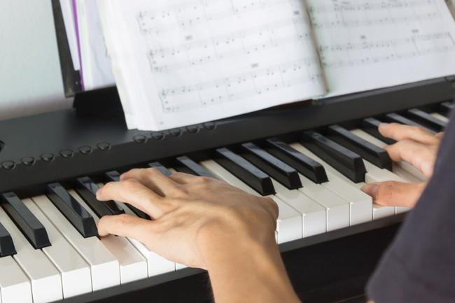 大人になってから始めるおすすめの楽器6種を厳選紹介