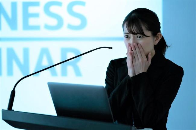 緊張すると声が震える悩みを抱える人におすすめの改善方法